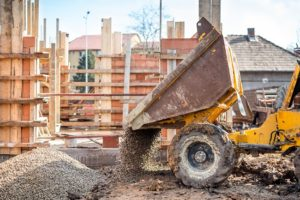 4 Safety Tips for Dump Truck Drivers